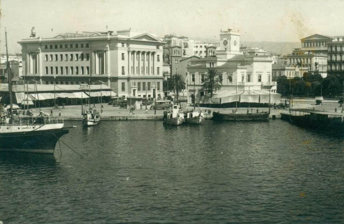 Tο λιμάνι του Πειραιά