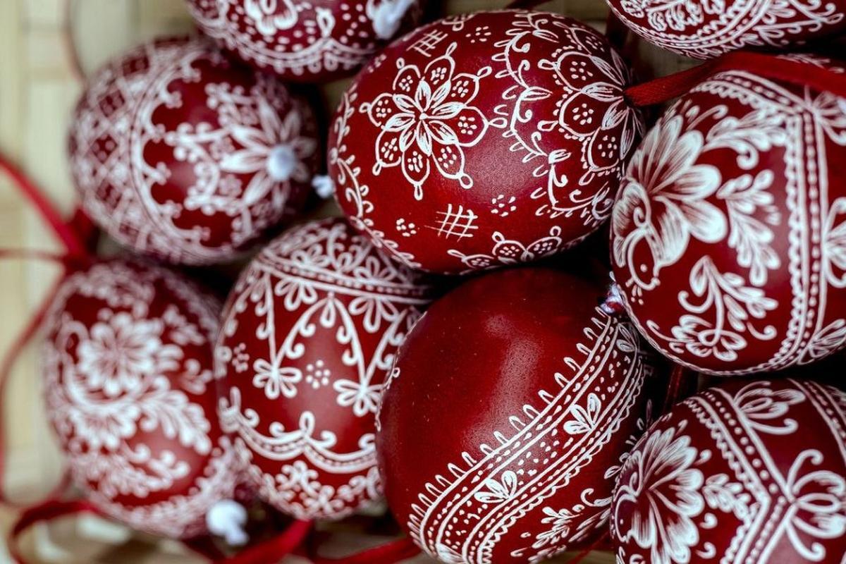 Τα κόκκινα αβγά της Μεγάλης Πέμπτης