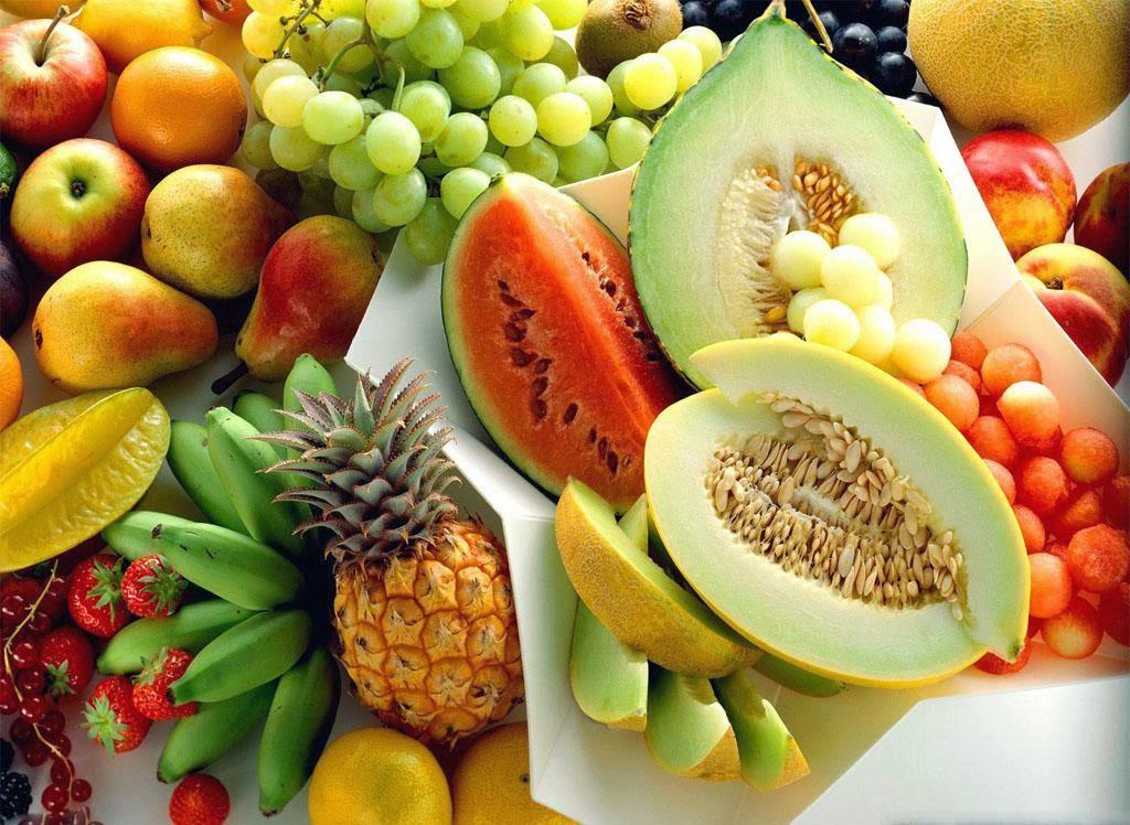 Το καλοκαίρι είναι γεμάτο από φρούτα