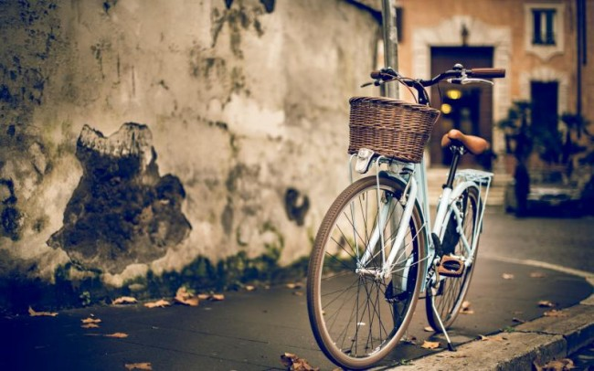 vintage-women-bike_800