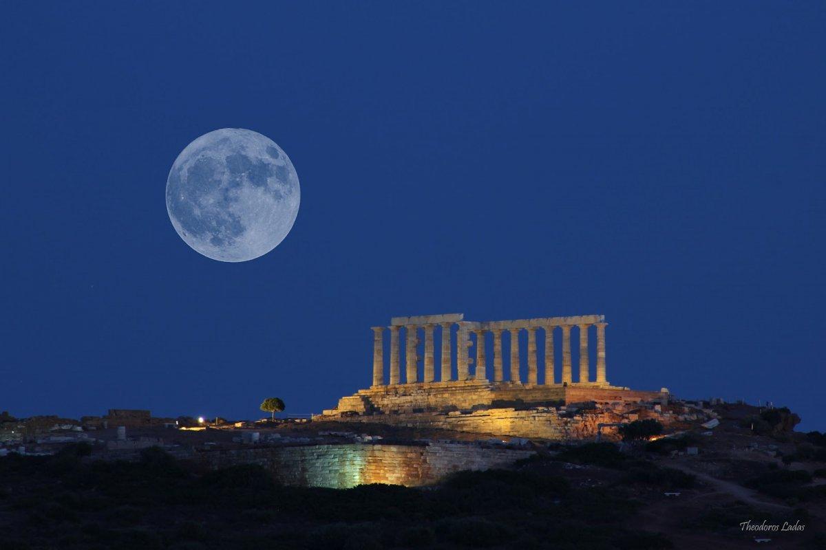 Η πανσέληνος του Αυγούστου σε όλη την Ελλάδα