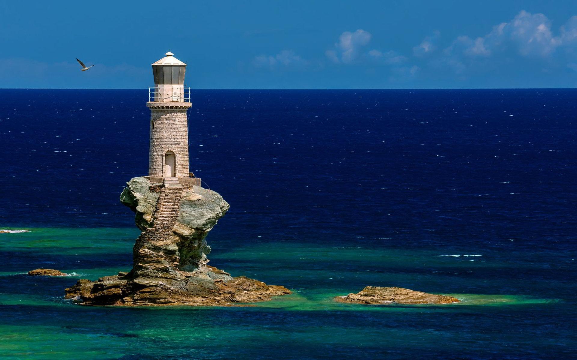 Φάρος - παραδοσιακό μνημείο, ασφάλεια ναυσιπλοΐας, σημείο αναφοράς ναυτιλλομένων