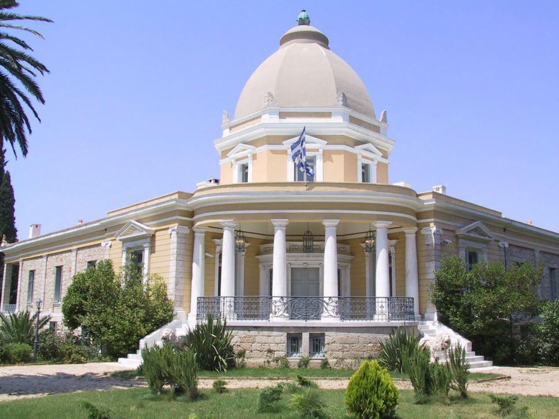 Η Βίλα Καζούλη στη νότια είσοδο της Κηφισιάς