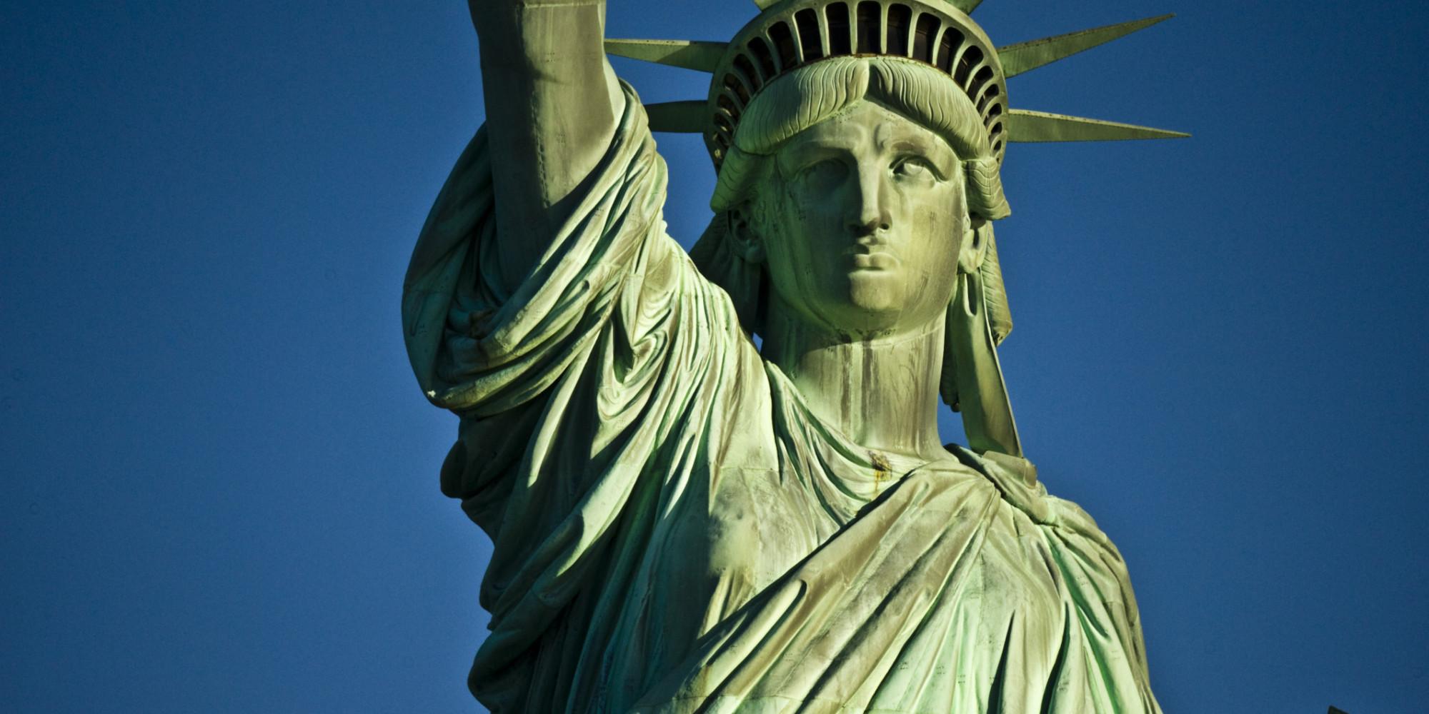 Το άγαλμα της Ελευθερίας στην είσοδο της Νέας Υόρκης