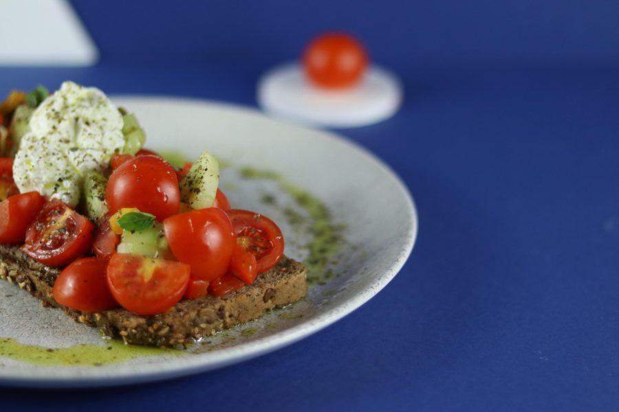 Μια διαφορετική καλοκαιρινή σαλάτα by Εμμανουήλ Πυθάρας
