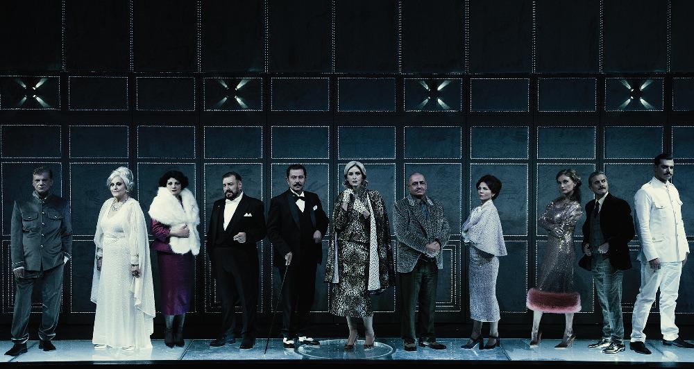 Η παράσταση Έγκλημα στο Οριεντ Εξπρές, είναι το must see, της φετινής θεατρικής σεζόν
