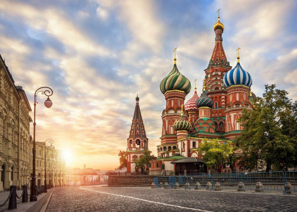 Στη Μόσχα αδερφές μου, στη Μόσχα